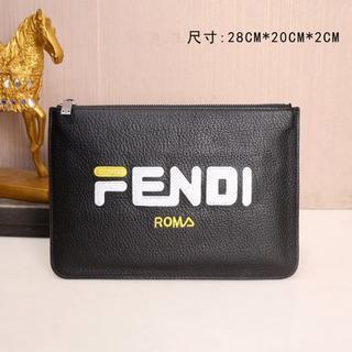 FENDI - FENDIクラッチバッグ