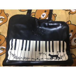 アクシーズファム(axes femme)のアクシーズファム*猫とピアノのトートバッグ*A4も入ります*axes femme(トートバッグ)