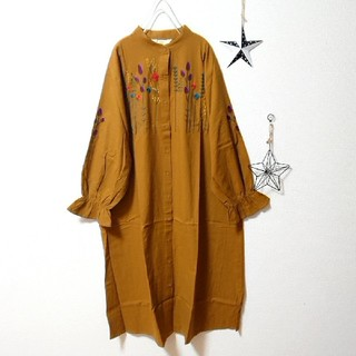 merlot - ✿Fillil✿マスタード✿お花刺繍バンドカラーシャツワンピ