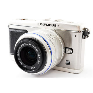 OLYMPUS - 小型軽量 OLYMPUS E-P1 レンズキット☆SDカード、ストラップ付き!