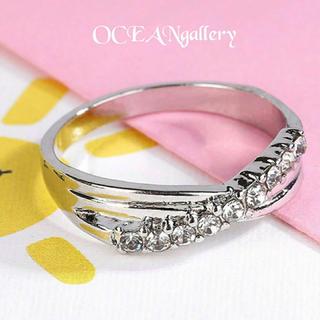 送料無料 9号 シルバークリアスーパーCZダイヤモンド インフィニティリング指輪(リング(指輪))