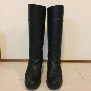 ルイヴィトン(LOUIS VUITTON)のLOUIS VUITTON 黒 ロゴ ブーツ(ブーツ)