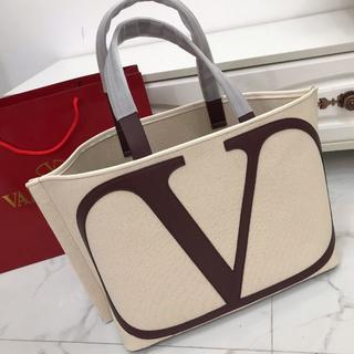 ヴァレンティノ(VALENTINO)のヴァレンティノ トートバッグ ビジネス レディース用 白い(トートバッグ)