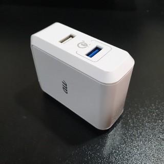 au - au純正 急速充電QC3.0対応2ポートUSBチャージャー R07P001W