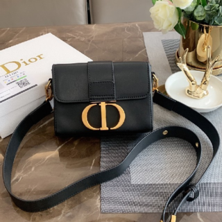クリスチャンディオール(Christian Dior)のDior ディオール ショルダーバッグ(ショルダーバッグ)
