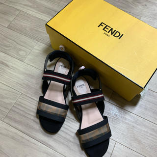 FENDI - 美品★FENDI フェンディ★フラットサンダル フラットシューズ