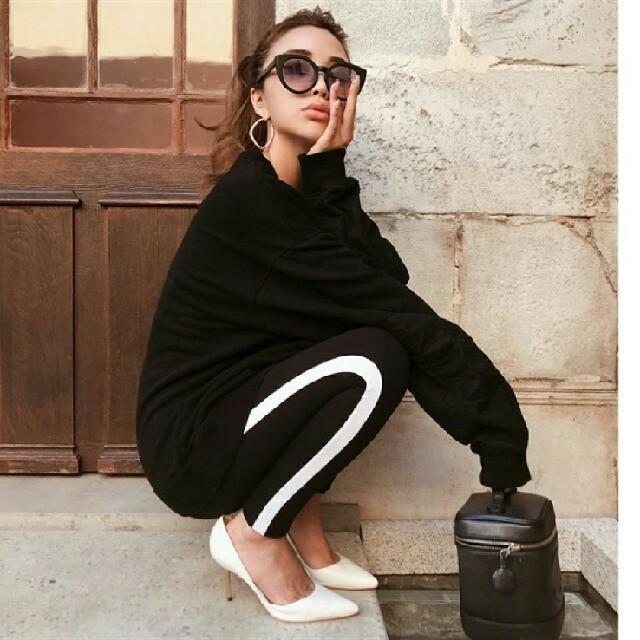 H&M(エイチアンドエム)の新品★ H&M サイドラインレギンス S GYDA MOUSSY SLY レディースのレッグウェア(レギンス/スパッツ)の商品写真