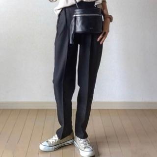 GRL - 新品 タグ付き ストレートパンツ タック テーパードパンツ ブラック 黒色