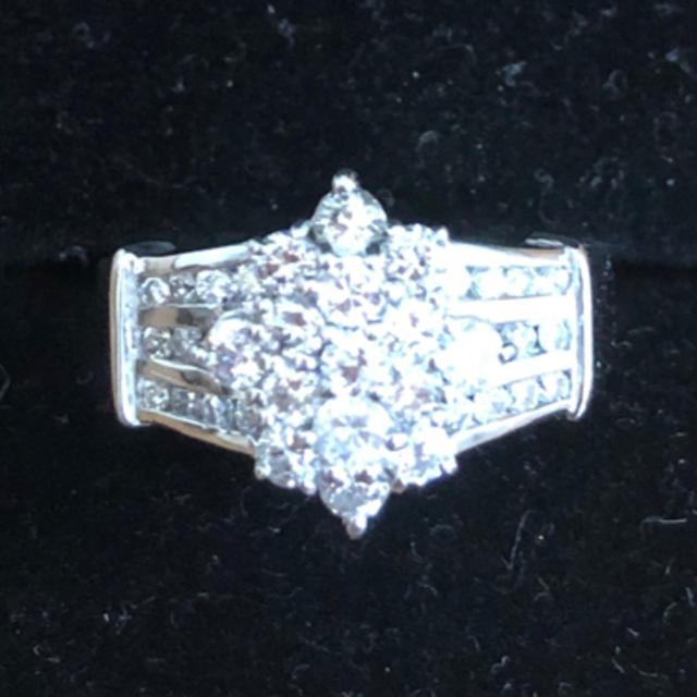 プラチナ ダイヤモンドリング レディースのアクセサリー(リング(指輪))の商品写真
