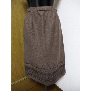 レリアン(leilian)の美品☆レリアン フェルト フレアースカート 裾レース 茶 LEILIAN(ひざ丈スカート)