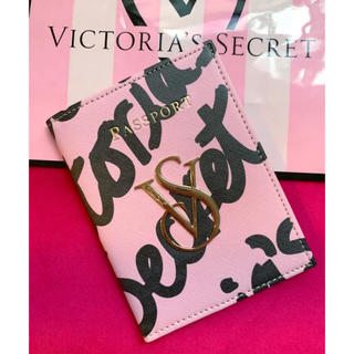 Victoria's Secret - Victoria's Secret 「新品」ロゴ柄パスポートケース