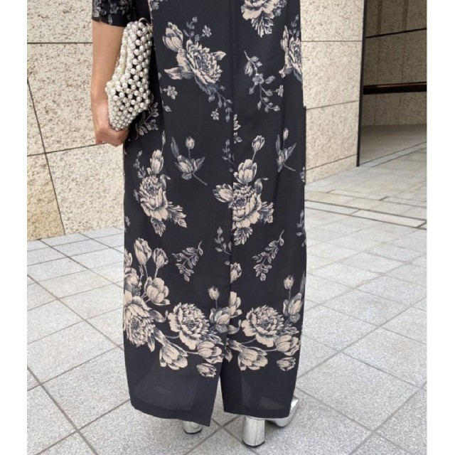 Ameri VINTAGE(アメリヴィンテージ)の新品タグ付 アメリヴィンテージ 限定花柄ワンピース レディースのワンピース(ロングワンピース/マキシワンピース)の商品写真