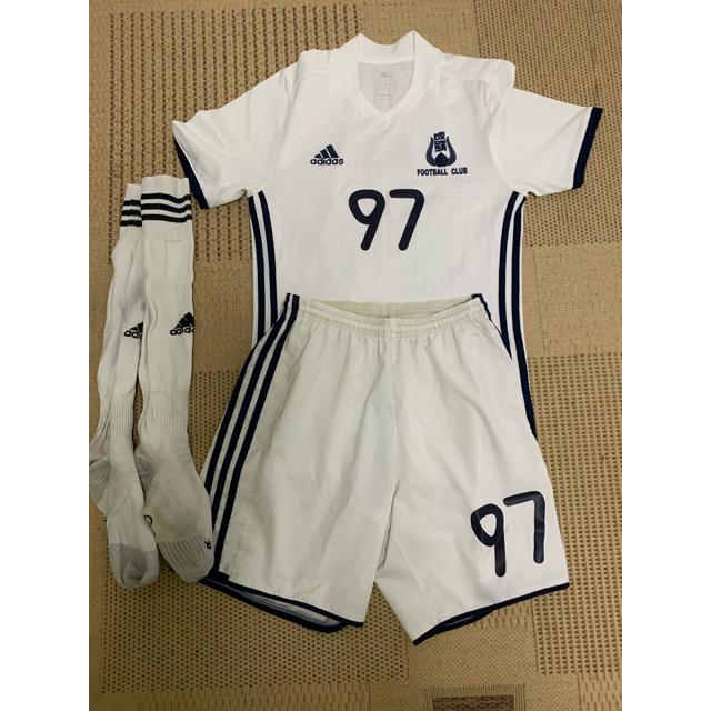 adidas(アディダス)の大学サッカーユニフォーム スポーツ/アウトドアのサッカー/フットサル(ウェア)の商品写真
