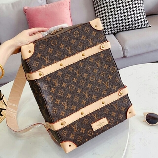 LOUIS VUITTON -  バッグ人気のバックパック