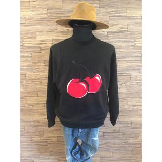 ボウダンショウネンダン(防弾少年団(BTS))のビックシルエットチェリー刺繍トレーナー キルシー公式BTS着用デザイン(Tシャツ/カットソー(七分/長袖))