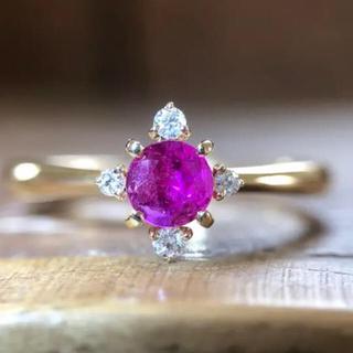 すごく美しいルビーの指輪