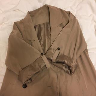 Lochie - trench coat .