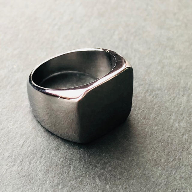 ★新品 印台 ダークシルバーリング鏡面 スクエア 男性 リング 指輪 メンズのアクセサリー(リング(指輪))の商品写真