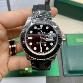 ロレックスの男性腕時計は全自動式機械式時計です。夜の光が透ける防水腕時計です