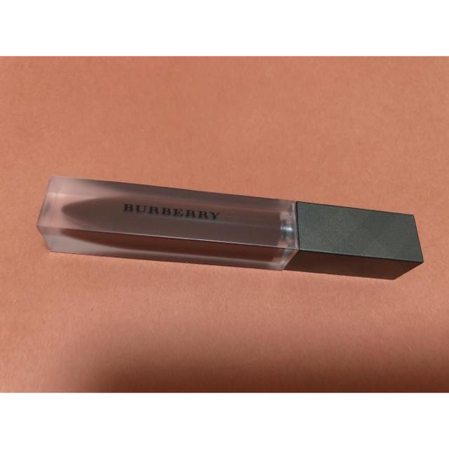 BURBERRY(バーバリー)のバ-バリ-リキッドリップベルベット57番新品未使用 コスメ/美容のベースメイク/化粧品(口紅)の商品写真