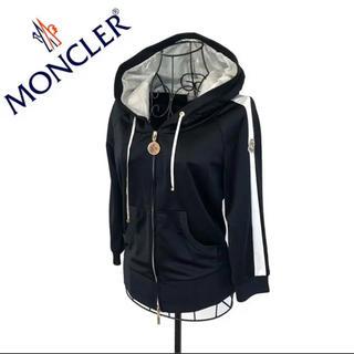モンクレール(MONCLER)のMONCLER モンクレール ワッペン パーカー レディース ブラック 黒(パーカー)
