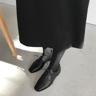 ザラ(ZARA)のLAURENHI 新品(ローファー/革靴)