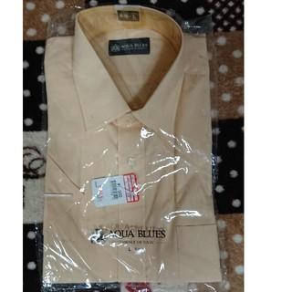 淡オレンジの半袖カッターシャツ(シャツ)