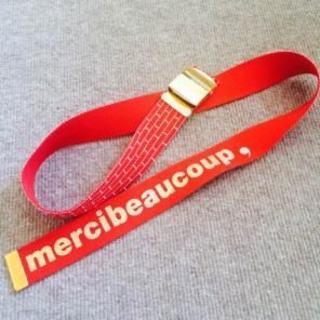 mercibeaucoup - mercibeaucoup ガチャベルト レッド ゴールド