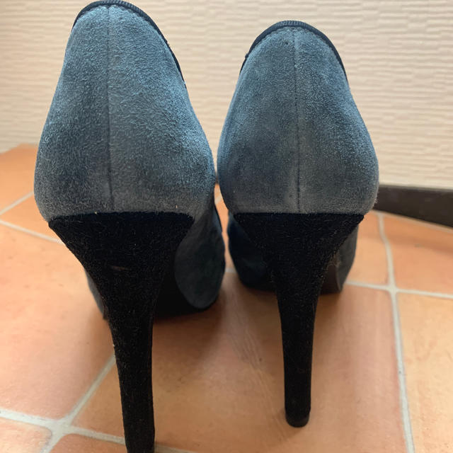 DIANA(ダイアナ)のダイアナ ブーティー パンプス未使用グレー ベロア レディースの靴/シューズ(ハイヒール/パンプス)の商品写真