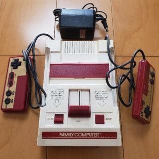 ファミリーコンピュータ(ファミリーコンピュータ)の任天堂 ファミコン本体 説明書付き レトロ  ジャンク品 (携帯用ゲーム機本体)
