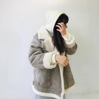 ケービーエフ(KBF)のkbf+ ムスタンbigジャケット 新品タグ付き(ムートンコート)