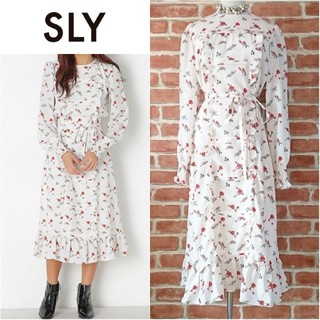 SLY - 美品♥️SLY*スライ♥️ヴィンテージフラワードレスワンピース