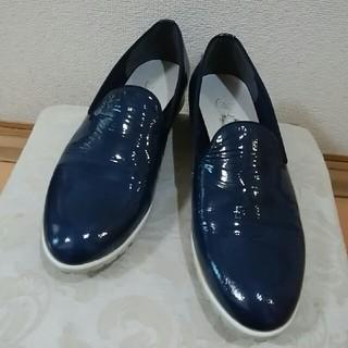 yoshinoya・エナメルローファー(ローファー/革靴)