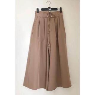 しまむら - 新品 しまむら Lutique フレア パンツ スカート Mサイズ ベージュ