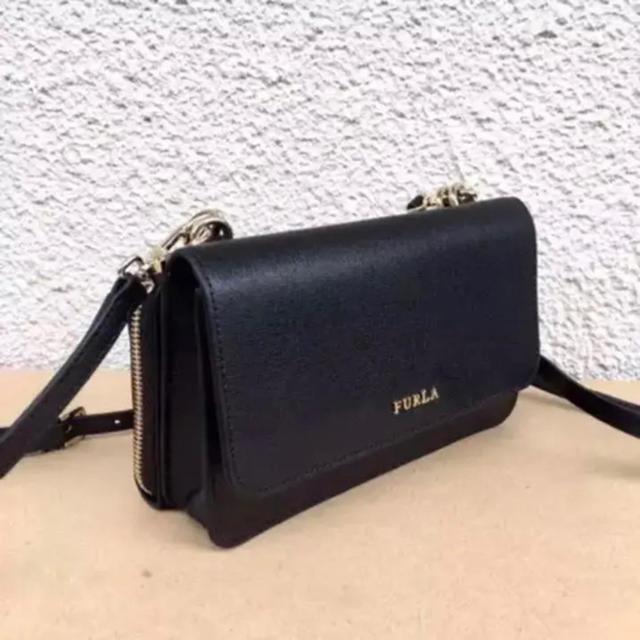 Furla(フルラ)の新品フルラ未使用ブラック正規品ラウンドファスナー長財布ショルダー レディースのバッグ(ショルダーバッグ)の商品写真