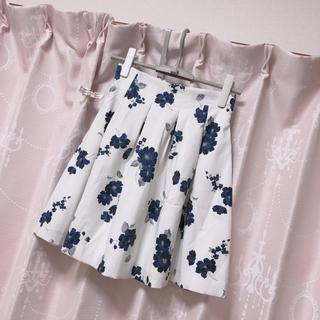 ByeBye - beybey バイバイ 花柄タックスカート ボンディングスカート