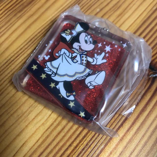 Disney(ディズニー)のイッツクリスマスタイム カプセルトイ ガチャガチャ ミニー エンタメ/ホビーのおもちゃ/ぬいぐるみ(キャラクターグッズ)の商品写真