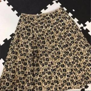 ベージュ 膝丈スカート(ひざ丈スカート)