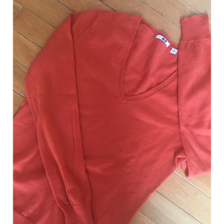 ユニクロ(UNIQLO)のUNIQLO★オレンジセーター(ニット/セーター)