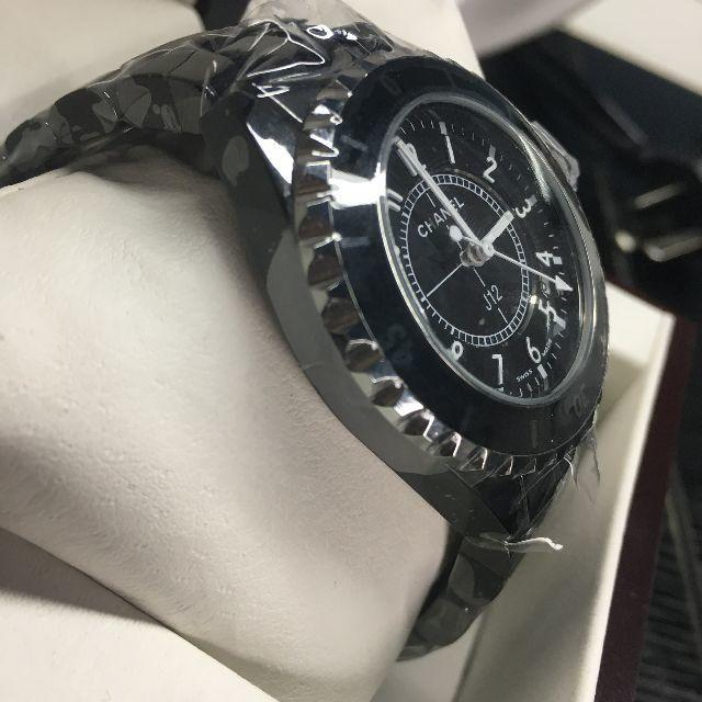 CHANEL(シャネル)のシャネル 腕時計 j12 ブラック 女性用 33mm レディースのファッション小物(腕時計)の商品写真