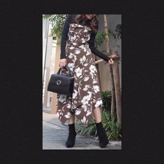 rienda - 美品✨rienda ビスチェ アシンメトリー 花柄 スカート セットアップ