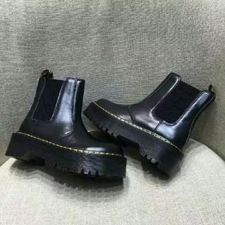 Dr.Martens - UK4ドクターマーチン Dr.Martens 新品 厚底ブーツ 革靴 正規品