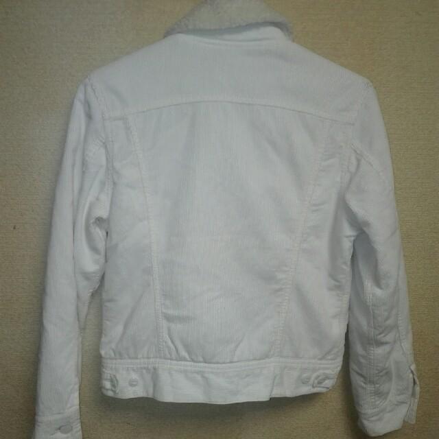 Lee(リー)のLEE ボアジャケット ホワイトMsize レディースのジャケット/アウター(Gジャン/デニムジャケット)の商品写真