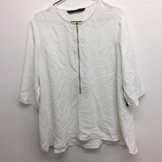 ザラ(ZARA)のフロントファスナーTシャツ ホワイト Lサイズ ZARA レディース タグ付き(Tシャツ(半袖/袖なし))