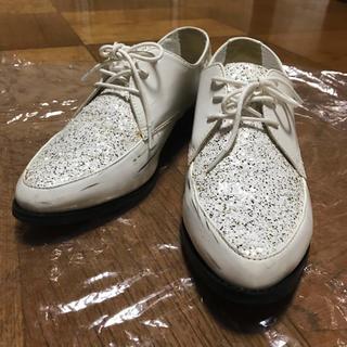 ランダ(RANDA)のランダ RANDA ホワイトグリッターシューズ 匿名発送オックスフォードシューズ(ローファー/革靴)