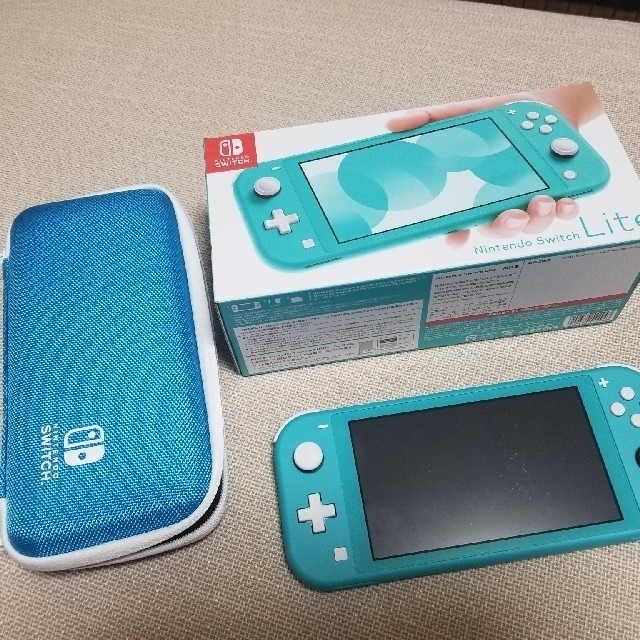 Nintendo Switch(ニンテンドースイッチ)のnintendo switch lite 本体 フィルム ケースセット エンタメ/ホビーのゲームソフト/ゲーム機本体(携帯用ゲーム機本体)の商品写真