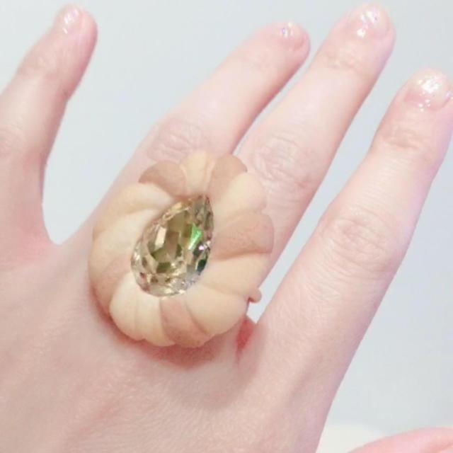 Q-pot.(キューポット)の美品 Q-pot.  2018 Jewel Cookie リング カモミール レディースのアクセサリー(リング(指輪))の商品写真