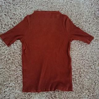 ユニクロ(UNIQLO)のUNIQLO ブラウン系 オレンジ カットソー(カットソー(半袖/袖なし))
