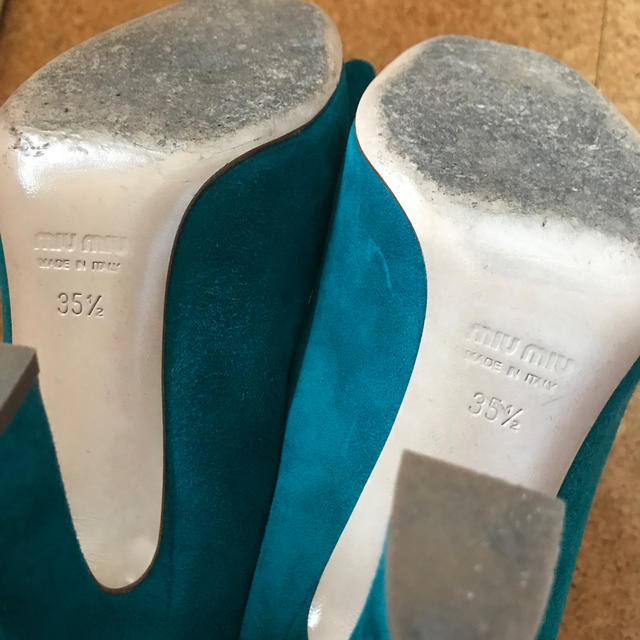 miumiu(ミュウミュウ)のmiu miu リボン パンプス レディースの靴/シューズ(ハイヒール/パンプス)の商品写真