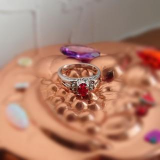 ノスタルジックないちごジャムカラーのアンティークリング(リング(指輪))